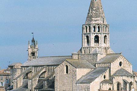 Bourg-Saint-Andéol, une destination touristique d'exception